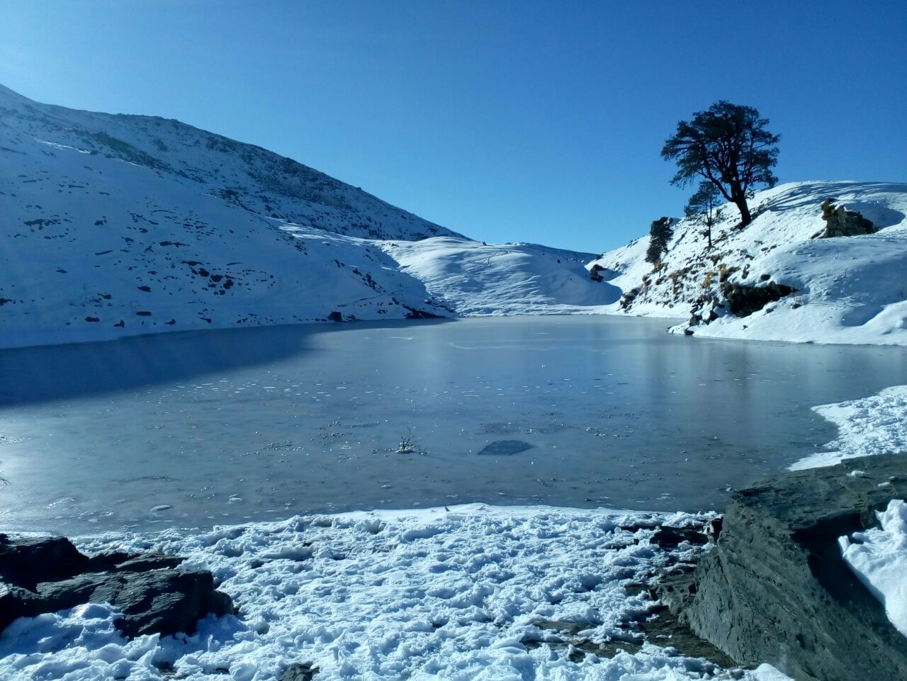 brahmatal lake in winter season
