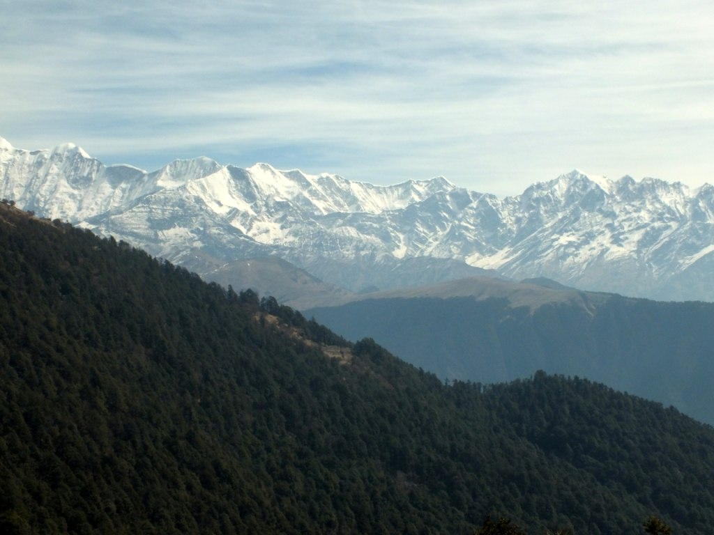 panoramic view of himalayan peak from brahmatal trek
