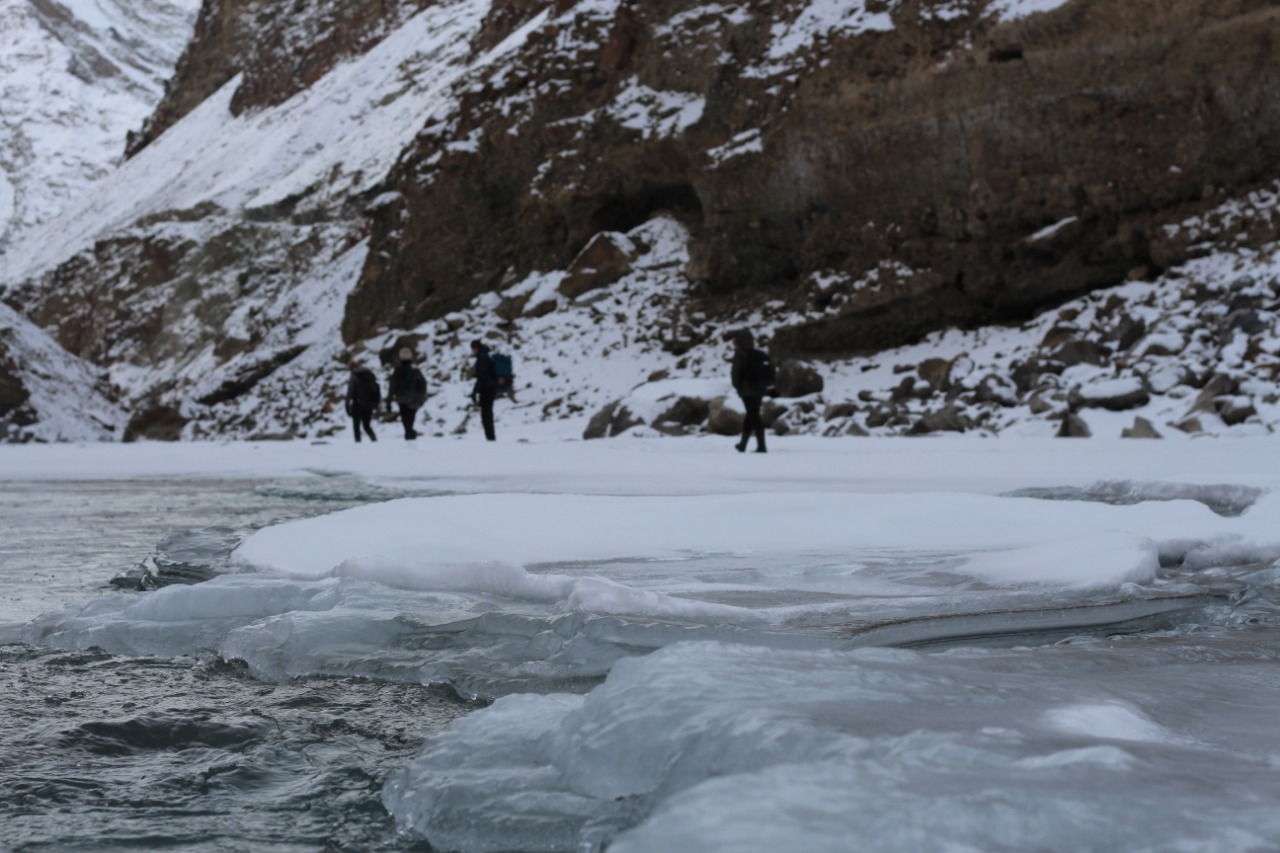 ice floating in chadar river