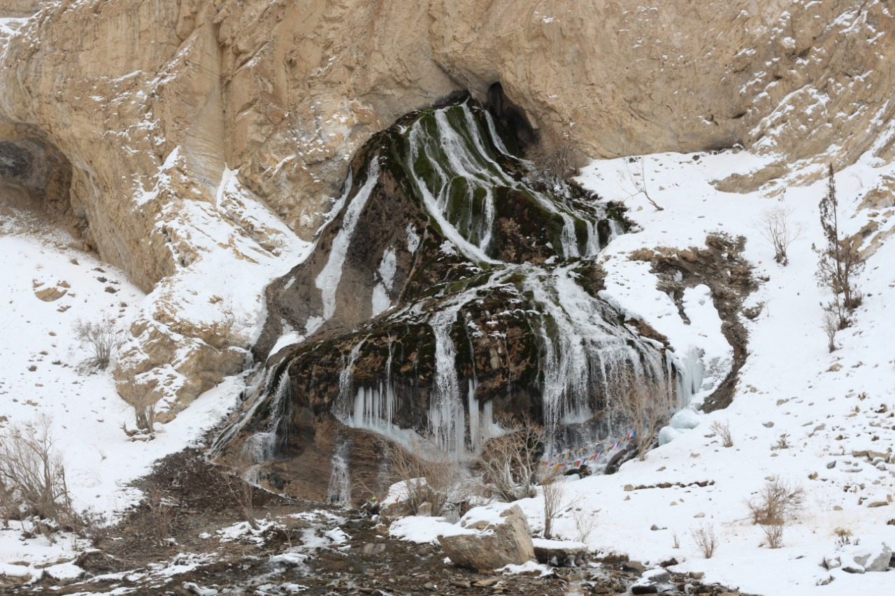water coming from mountain enroute chadar trek