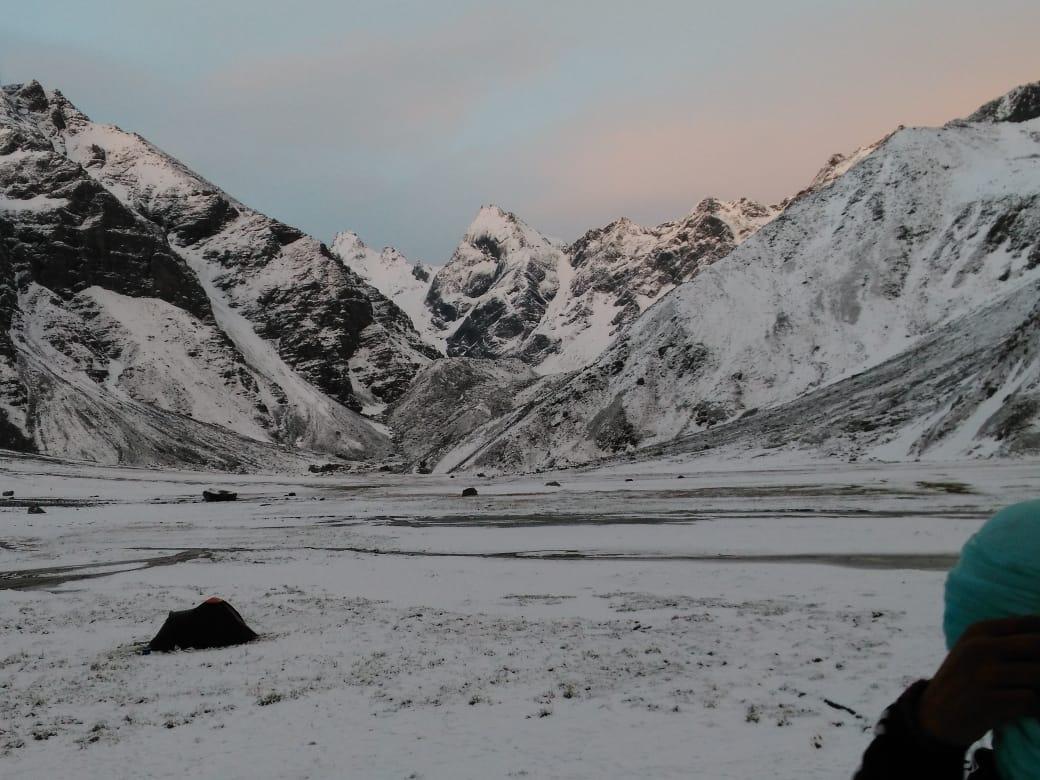 blanket of snow covered the devkyara bugyal