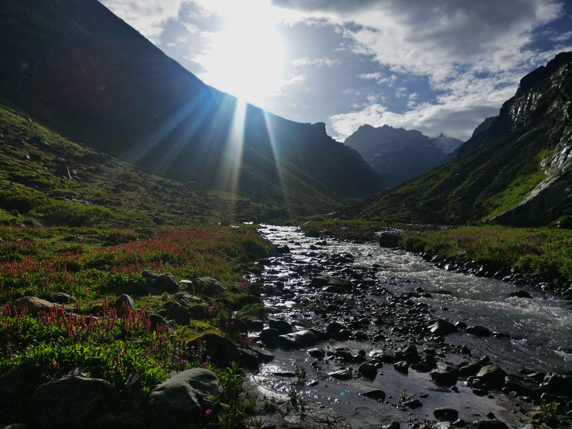 rani nallah shine bright  with the sunlight at hampta pass trek