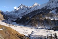 har ki dun valley covered with snow