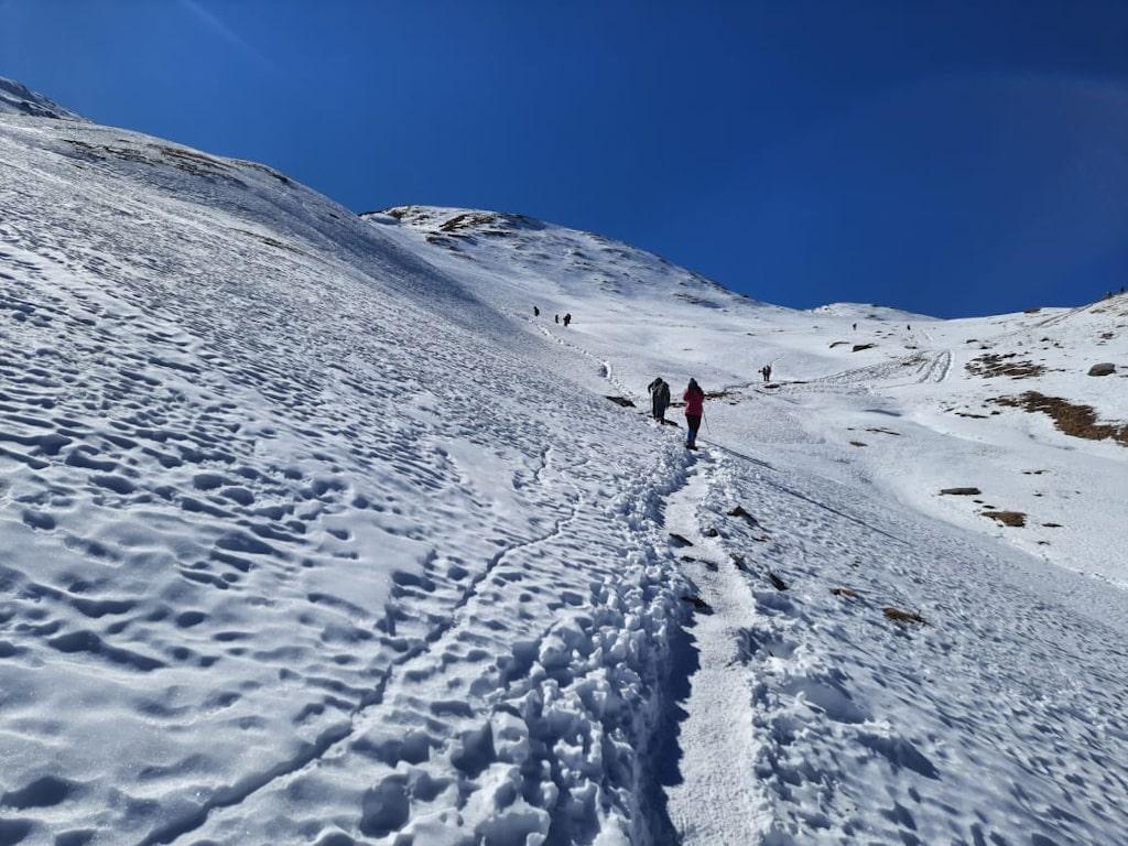 kuari pass trek in january