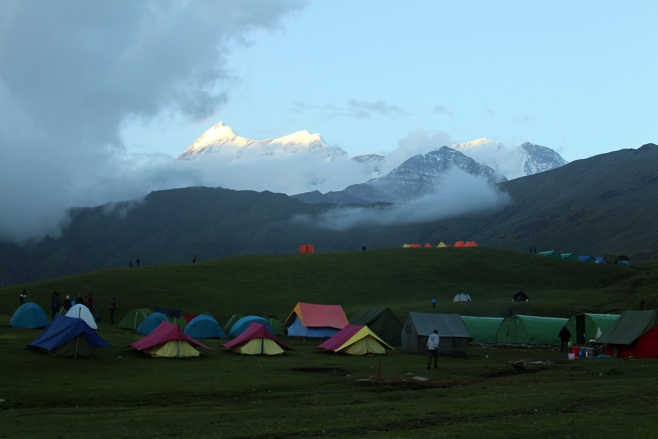 campsite at roopkund