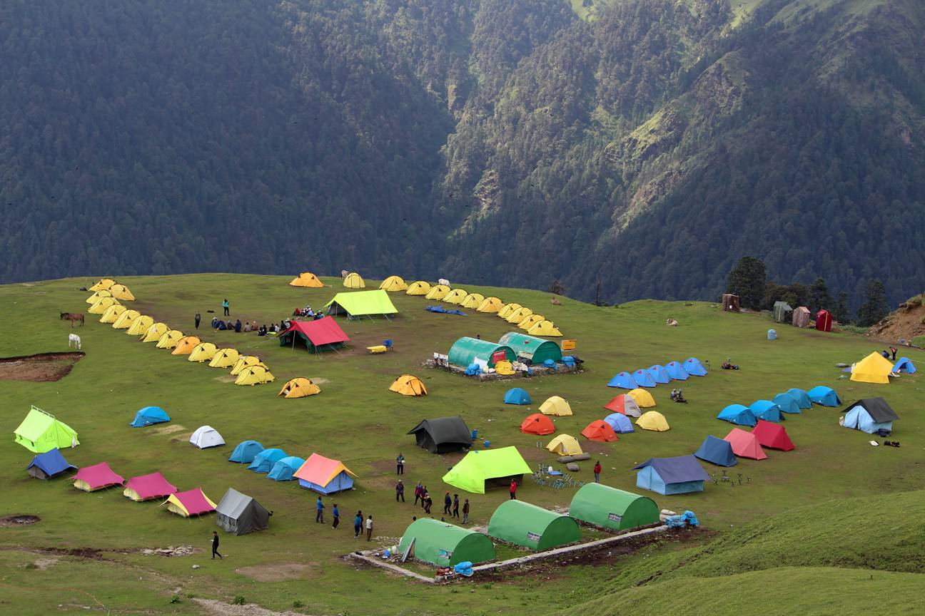 campsite at roopkund trek